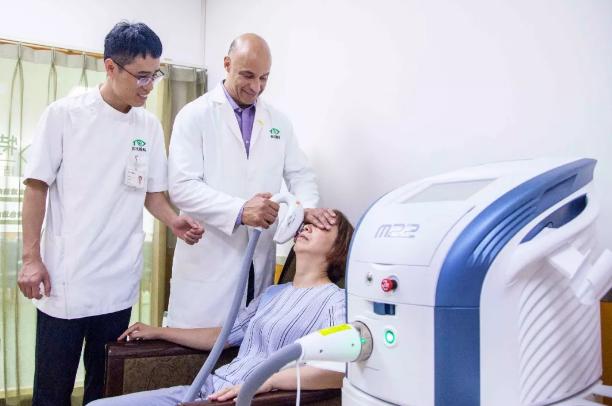 何氏眼科干眼特色门诊集全方位检查、综合诊断、个性化治疗于一体