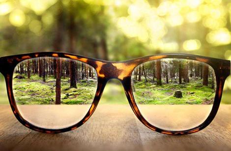 为什么儿童验光配镜必须要先散瞳